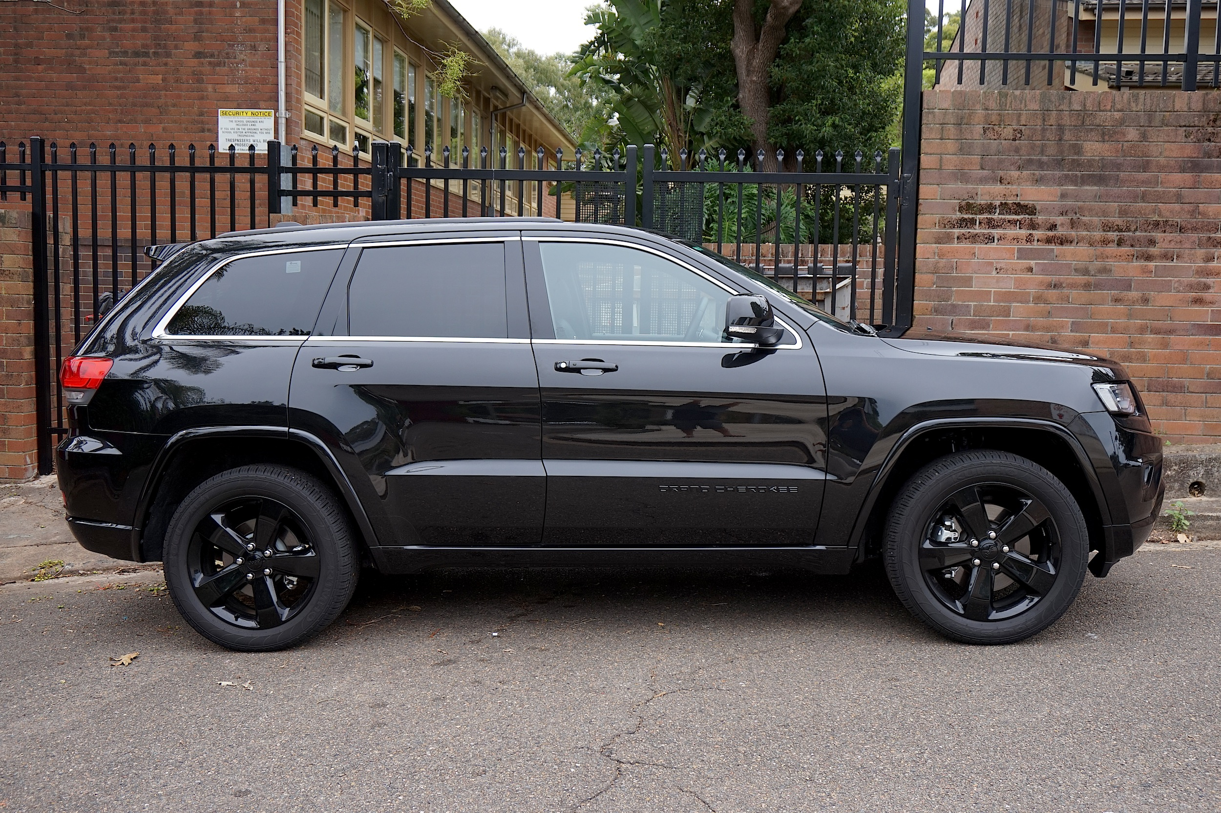Jeep blackhawk 2015